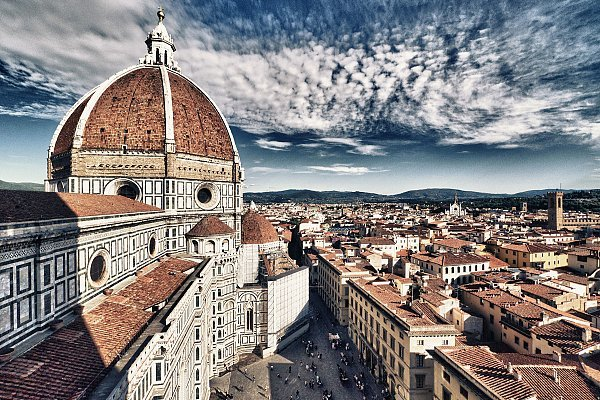 basilica-of-saint-mary-ofthe-flower-in-florence-wide-wallpaper-501485